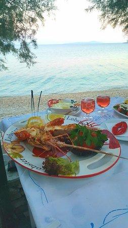 Drios, Grecia: Best food & hospitality!