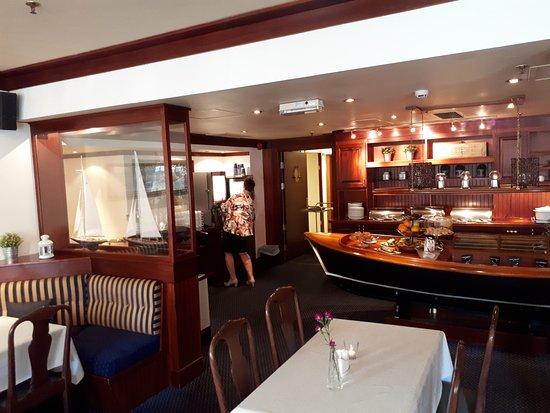 Arendal Maritime Hotel: 20170617_074218_large.jpg
