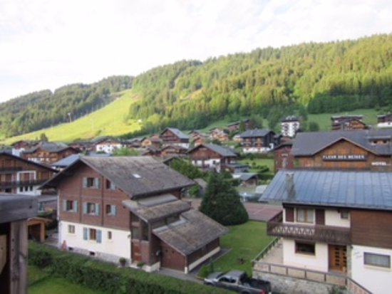 Residence L'Aiglon de Morzine : What a view to wake up to.