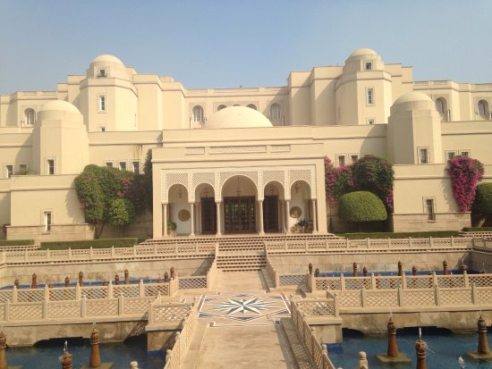 The Oberoi Amarvilas was a little piece of paradise.  To see the Taj Mahal glistening in the ear