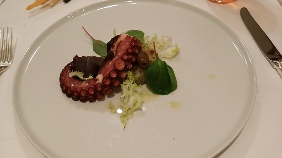 Appiano sulla Strada del Vino, อิตาลี: 20170621_2023 octopus Zur Rose Eppan_large.jpg