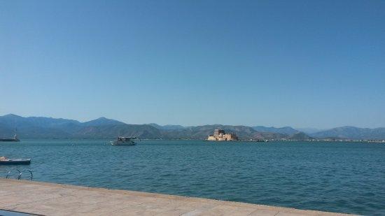 Nauplion Promenade: The view of Bourtzi from the port of Nafplio!