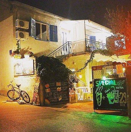 Pakostane, Kroasia: By Pinch at night