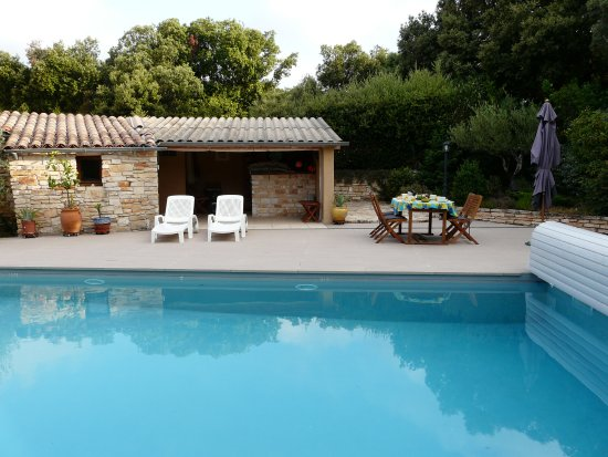 Orgnac-l'Aven, Francia: le pool-house