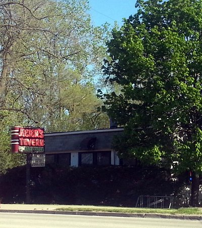Glenview, IL: the front and Lake St. sign for Meier's Tavern