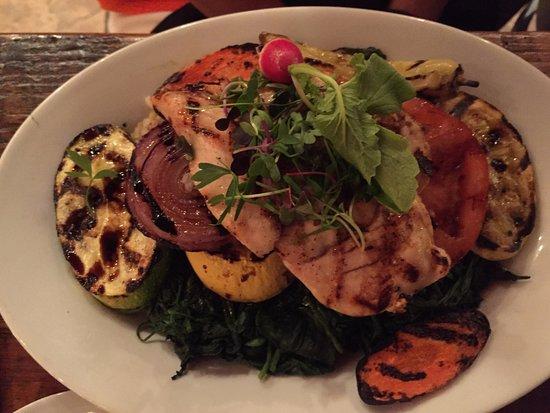 Leesburg, FL: chicken with grilled vegetables
