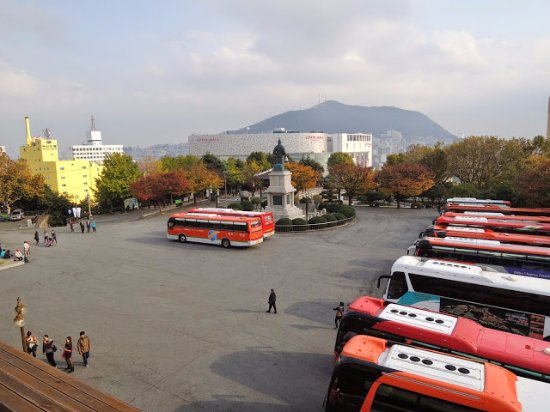 Yongdusan Park : 龍頭山公園