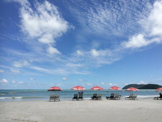 Pantai Cenang, Malesia: Cenang Beach (behind Cenang Beach Plaza)
