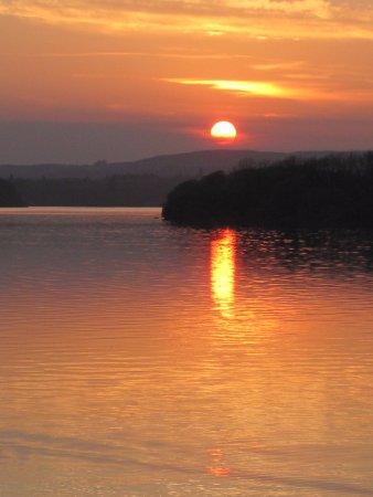 Lakeside Manor Hotel: sunset