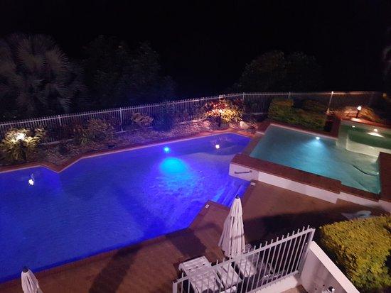 Trinity Beach, Australia: Beautiful pool overlooking the lovely Coral Sea