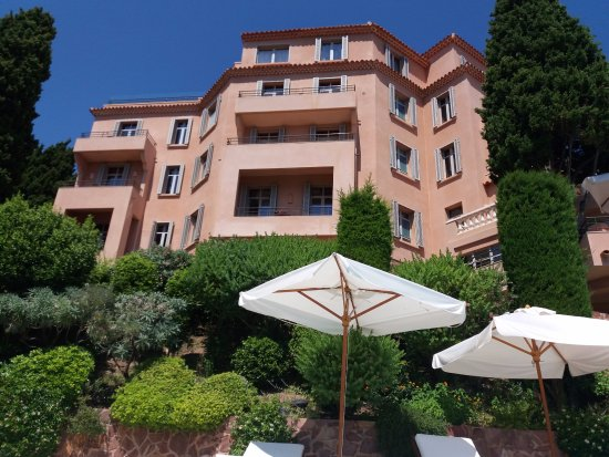 Hotel Tiara Yaktsa Cote d'Azur.: Facade de l'hôtel
