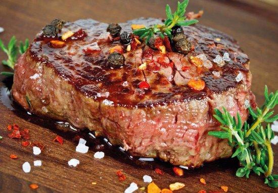 San Marco Rapperswil: Probieren Sie unsere saftigen Steaks vom Holzkohlegrill