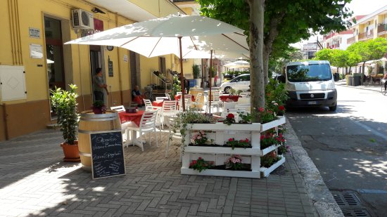 Bernalda, อิตาลี: Vineria e non solo...... Bruschetteria