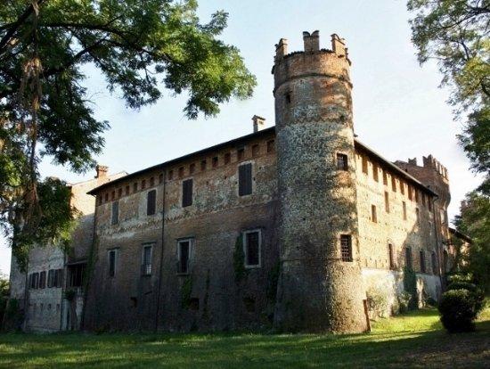 Castello di Castelnovo