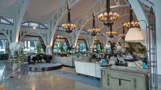 The Fullerton Bay Hotel Singapore: Clifford Pier dining and tea area