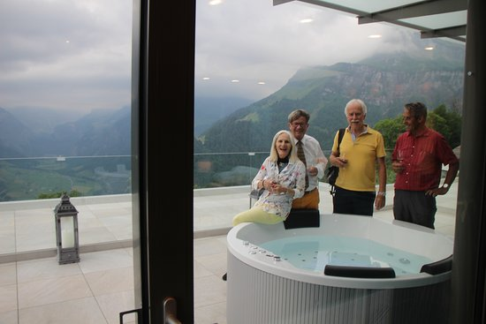 Braunwald, Suiza: The Vogels (parents) with oversea guest