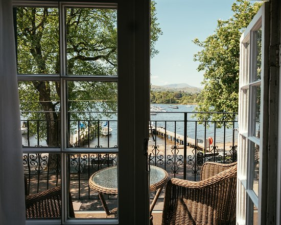 Waterhead Hotel: View from the luxury lake view room