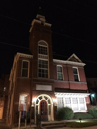 Marion Station, Maryland: The old City Hall / Fire House in Salisbury