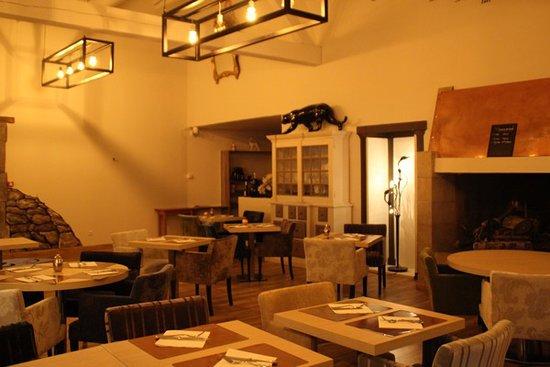La Tour d'Aigues, France: Restaurant