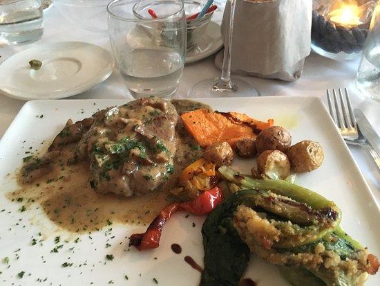 Il Ritrovo: I got the steak and veggies. It was delizioso