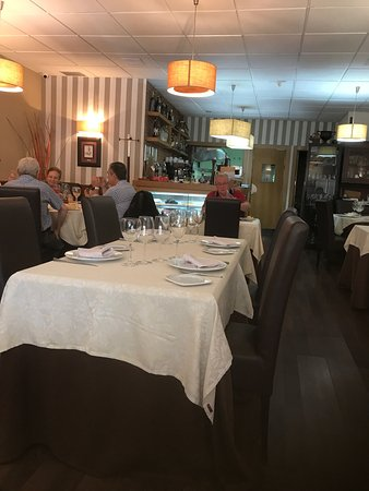 Restaurante churrrasqueria restaurante el vivero en for Viveros en badajoz