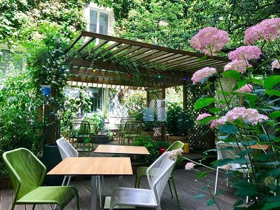 Jardin pour petit d jeuner photo de h tel paris louis blanc paris tripadvisor - Petit jardin tijuana paris ...