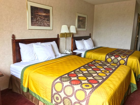 Americas Best Value Inn - Ullin/Mounds: Two Double Beds