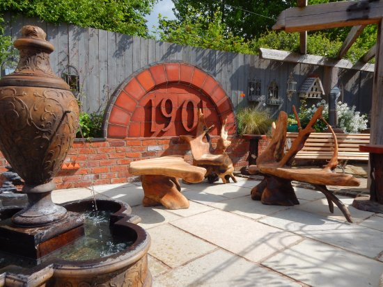 Little Budworth, UK: We stock a great selection of fountains and outdoor furniture.