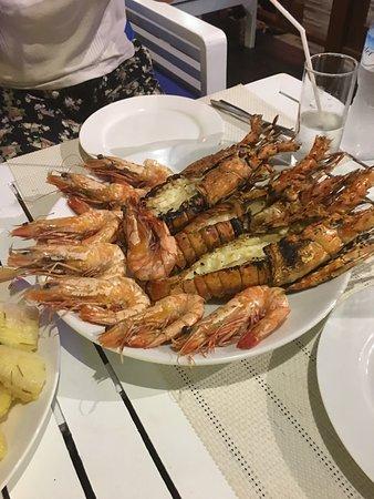 Copacabana Restaurant: Tigerprawns and lobster - Grilled