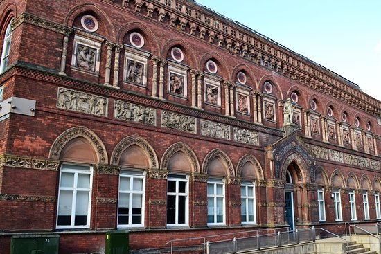 Burslem, UK: The Wedgwood Institute.  Magnificent!