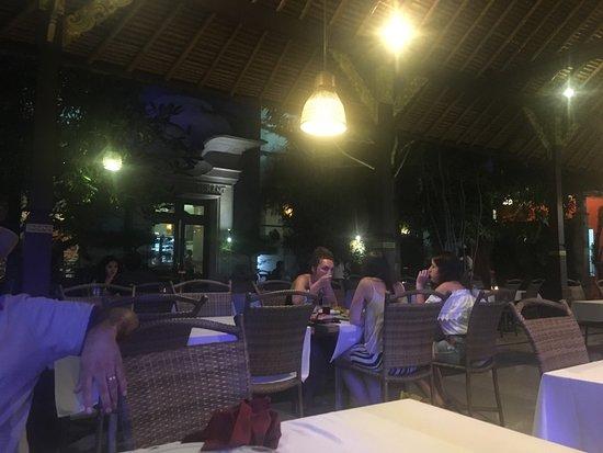 Gosha Bar & Restaurant: photo1.jpg