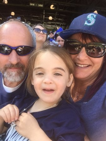 Moses Lake, WA: Family Day at the Mariner Game!