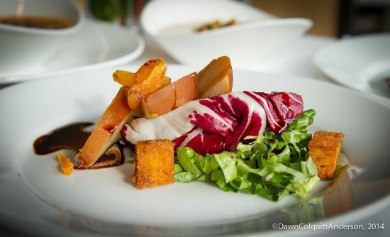 Watertown, MA: Grilled pear salad with radicchio