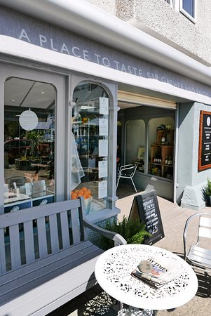 St Mawes, UK: The perfect spot for breakfast and lunch!