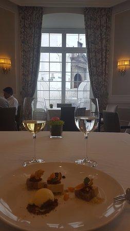 Casa Gangotena: El Restaurante, con vistas a la Plaza de San Francisco