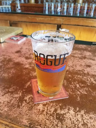 Rogue Ales Public House: Cool and refreshing