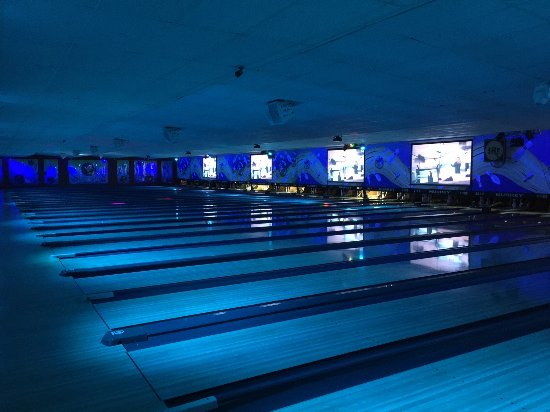 Spring Hill, FL: Weekend Cosmic Bowling