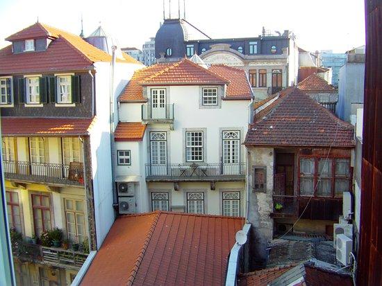 Grande Hotel Do Porto: vue extérieure de la chambre 210