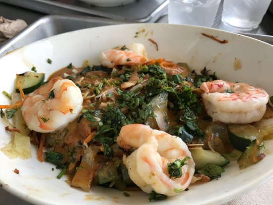 Montvale, NJ: shrimp thai