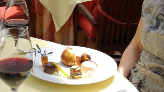 Ганшорен, Бельгия: Hoofdgerecht - Duif met ganzelever en croute