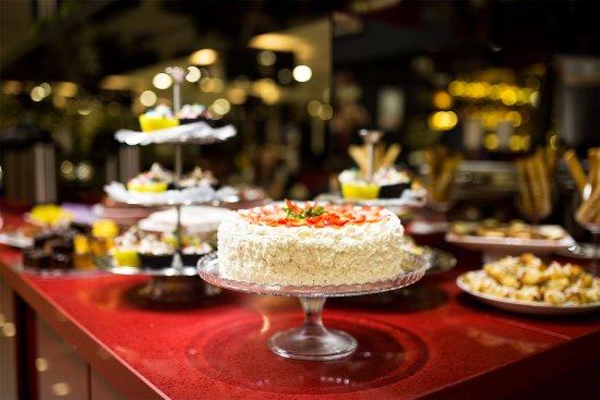 Europe Cafe Restaurant: café da manhã e da tarde
