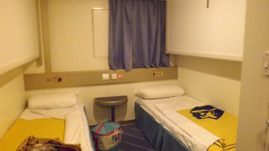 la cabine corsica ferries. Black Bedroom Furniture Sets. Home Design Ideas