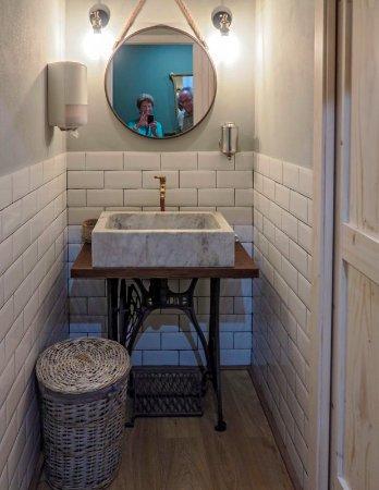 Un bagno bellissimo - Picture of Il Papeoto, La Spezia - TripAdvisor