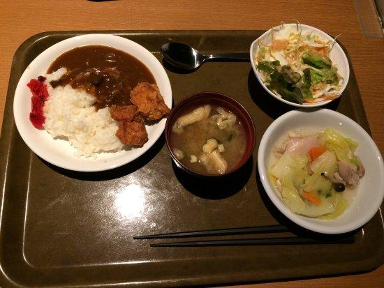 Hotel Abest Naganoekimae: อาหารเย็นฟรี เป็นบุฟเฟ่ต์