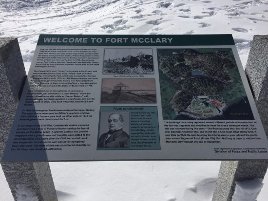 Kittery, Мэн: sign at Fort McClary