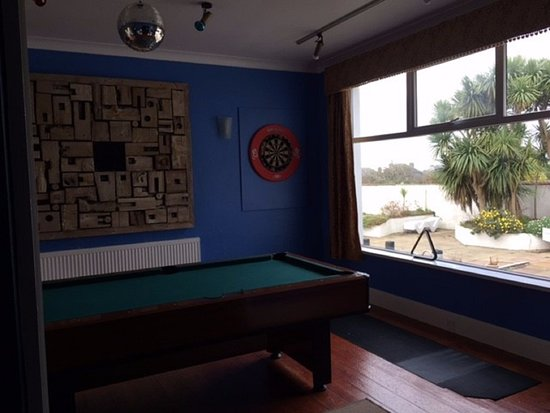 Pine Lodge: Games room
