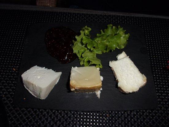 Calacuccia, فرنسا: assiette de fromage corse