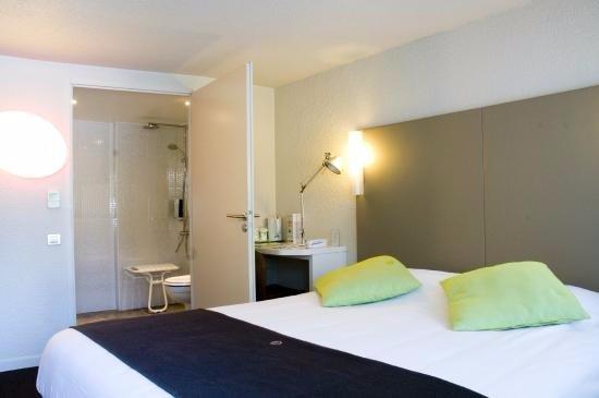 Campanile amiens glisy hotel france voir les tarifs for Chambre 0 decibel