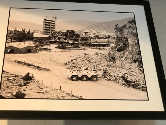 ‪War Photo Exhibition‬