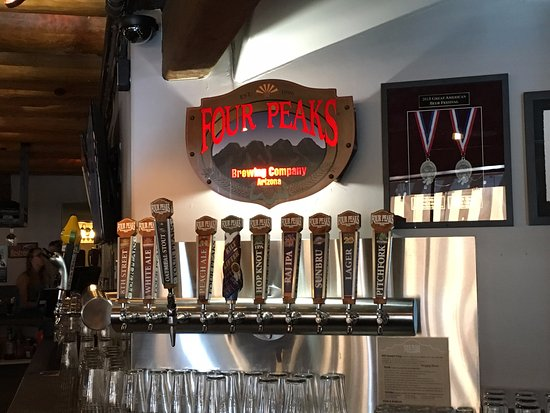 Four Peaks Grill & Tap: cool taps